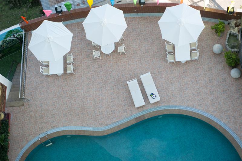 Bể bơi khách sạn Mường Thanh Quảng Trị