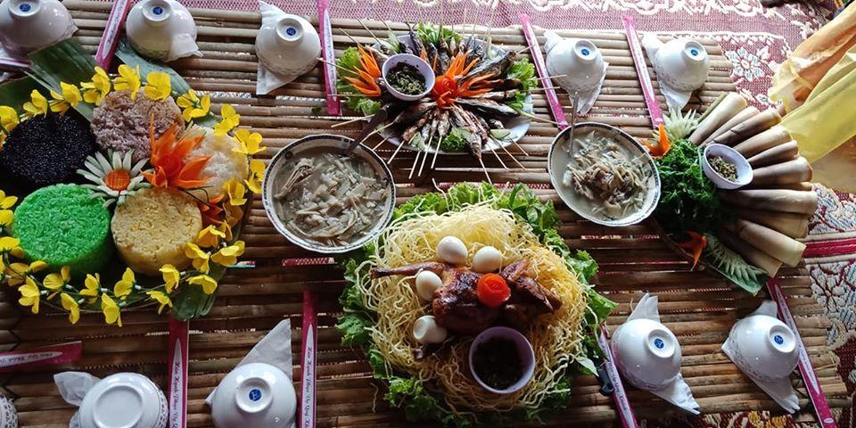 Thưởng thức ẩm thực của bà con Bru Vân Kiều