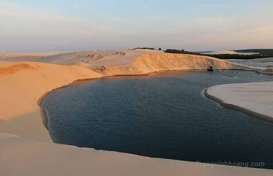 Đồi cát vàng nhĩ Hạ ( Trạng Vĩnh Hoàng)