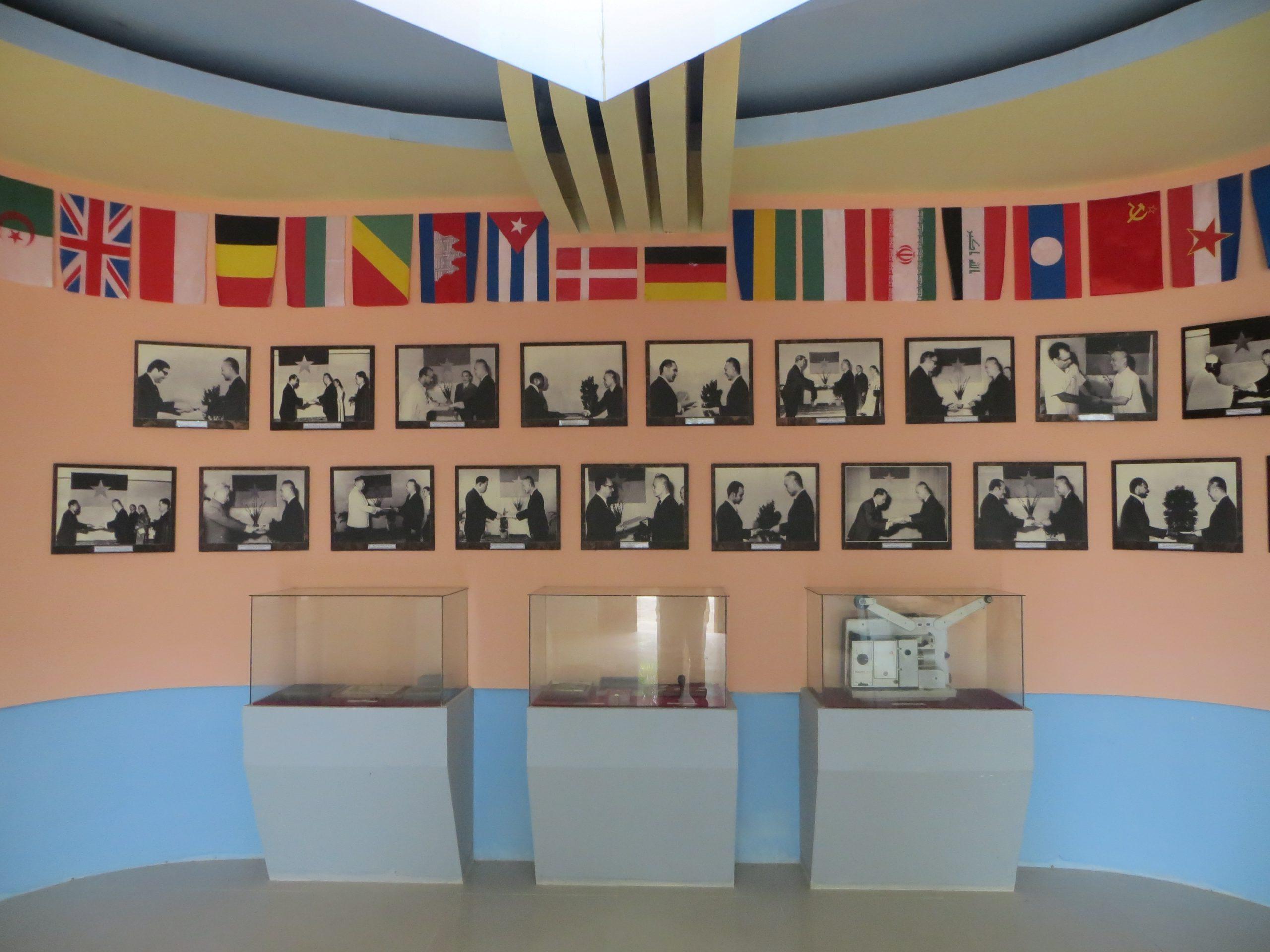 Một số hình ảnh Các Đại sứ đến Trình Quốc thư đặt quan hệ ngoại giao với Chính phủ CMLTCHMNVN tại Cam Lộ, Quảng Trị (Ảnh: Nguyễn Duy Hùng)