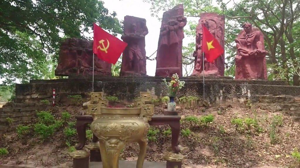 Di tích nhà tù Lao Bảo